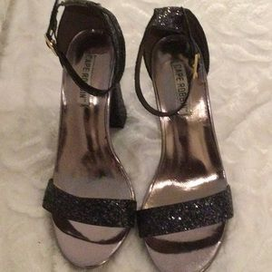 Sparkly sandals in size 7 from Cape Robbin